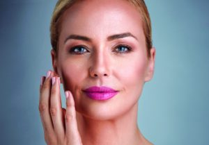 How You Can Look Years Younger with a Natural Alternative